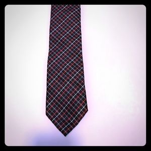 Red paid tie